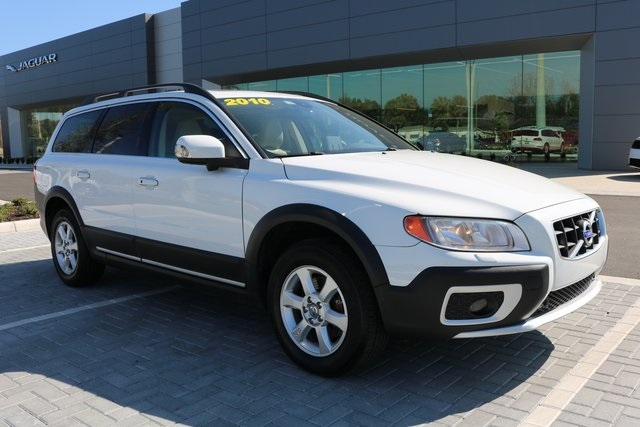 Pre-Owned 2010 Volvo XC70 3.2