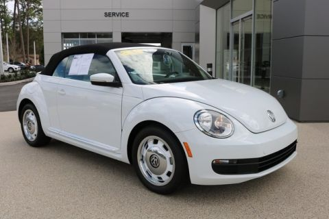 Pre-Owned 2015 Volkswagen Beetle 1.8T Classic